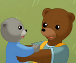 Petit Ours brun et le bébé